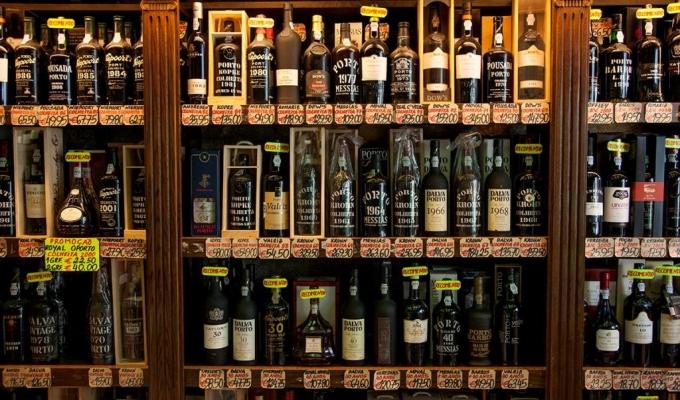 Loja de vinhos garrafeira