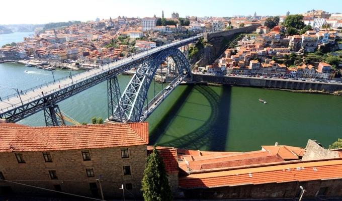 Ponte D. Luis